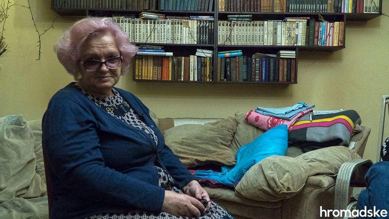 Наталя Журбенко — переселенка з Луганська, вона проти розведення військ, хоче, щоб українська армія була ближче до селища, Луганська область, 27 листопада 2019 року
