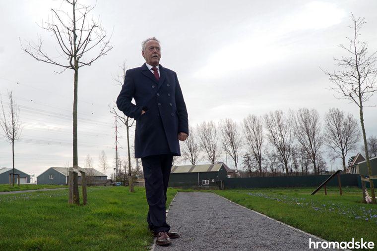 Голова Фундації МН17 Піт Плуг в Національному меморіальному комплексі пам'яті жертв катастрофи літака рейсу МН17 неподалік аеропорту «Схіпхол», Нідерланди, 7 березня 2020 року. Піт втратив брата, дружину брата і племінника