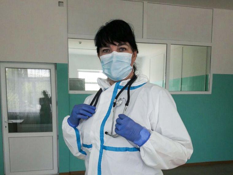 Лікарка-інфекціоністка Ольга Мартиненко керує інфекційним відділенням в Рубіжанській міські центральній лікарні Луганської області