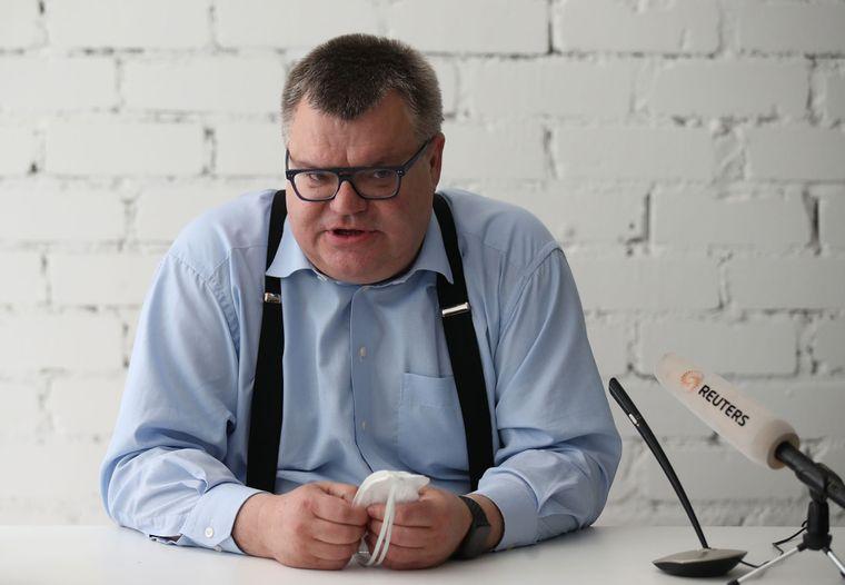 Кандидат на посаду президента Білорусі та колишній голова «Белгазпромбанку» Віктор Бабарико під час прес-конференції в Мінську, Білорусь, 11 червня 2020 року