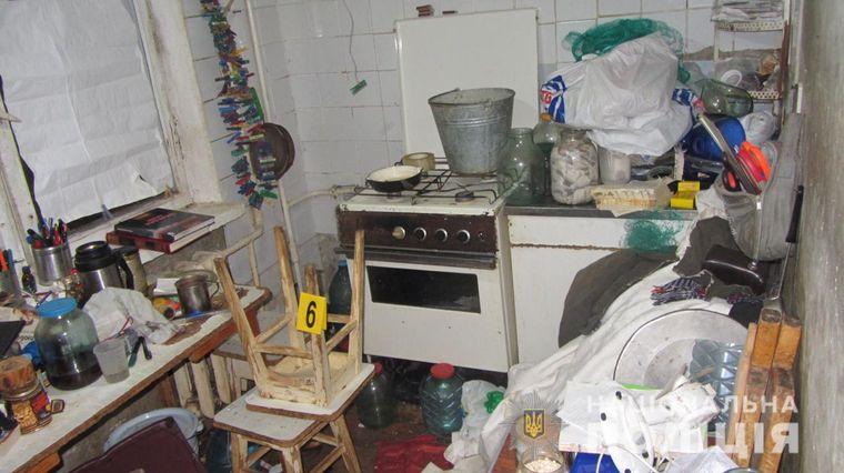 Квартира, де 28 червня правоохоронці знайшли тіла двох пенсіонерів