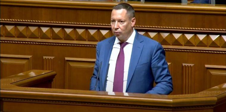 Новий голова Національного банку України під час голосування за його кандидатуру у Верховній Раді. 16 липня 2020 року