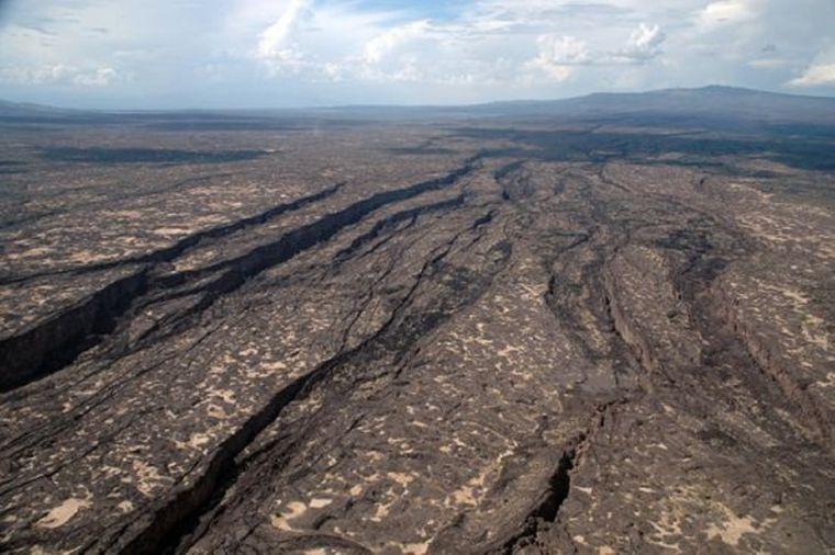 56-кілометрова тріщина в Ефіопській пустелі