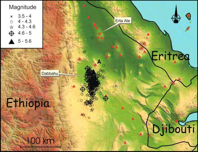 Карта, которая показывает сейсмическую активность вулкана Даббаху в районе Афар в Эфиопии в период между 14 сентября и 4 октября 2005 года