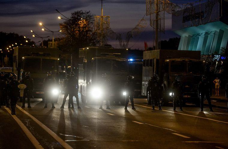 Правоохоронці стежать за антиурядовими акціями протесту в Мінську, Білорусь, 10 серпня 2020 року