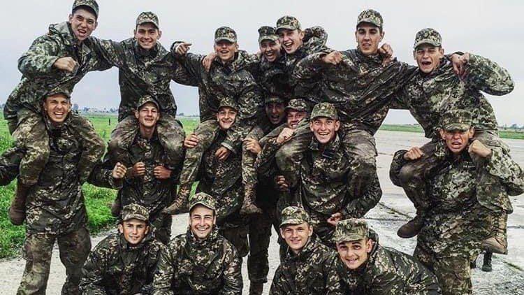 Курсанты, которые попали в авиакатастрофу в Харьковской области 25 сентября