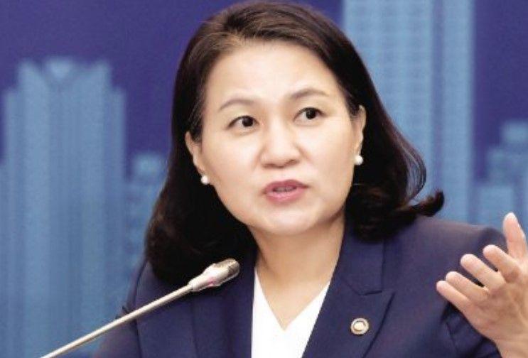 Міністрка торгівлі Південної Кореї Ю Мен Хі