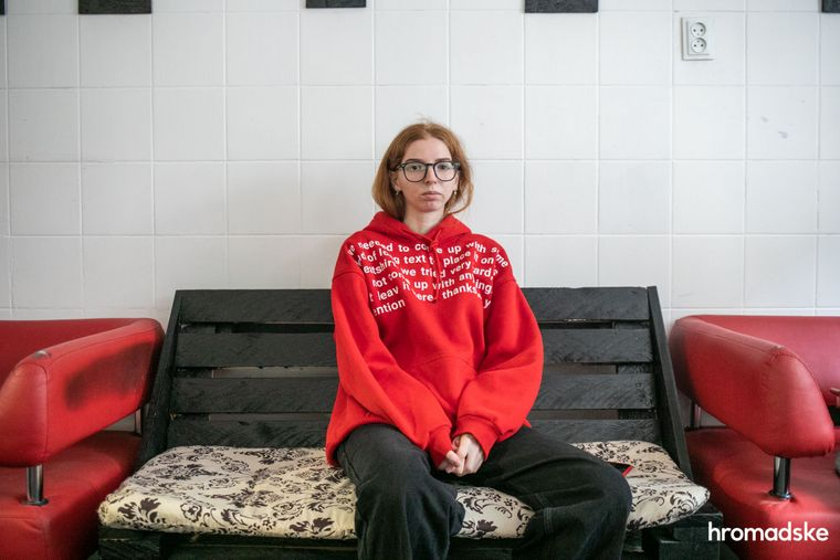 Подруга Інни Вероніка Кобзиста протягом кількох тижнів разом із іншими волонтерами допомагала лікарям боротися за її життя. Київ, 23 жовтня 2020 року.