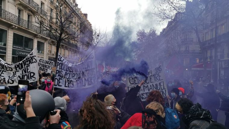 Акция протеста против законопроекта о глобальной безопасности, Париж, Франция, 12 декабря 2020 года