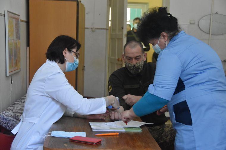 Вакцинація від коронавірусу військових за межами ООС, 20 березня 2021 року