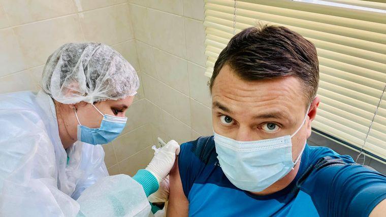 Артем Овдієнко вакцинується Covishield