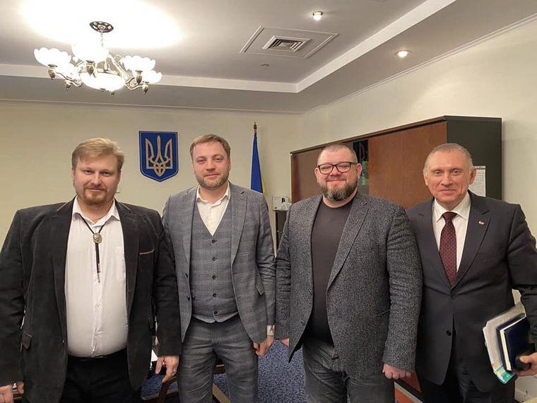 Денис Монастырский вместе с руководством профильных детективных организаций после встречи в комитете Верховной Рады