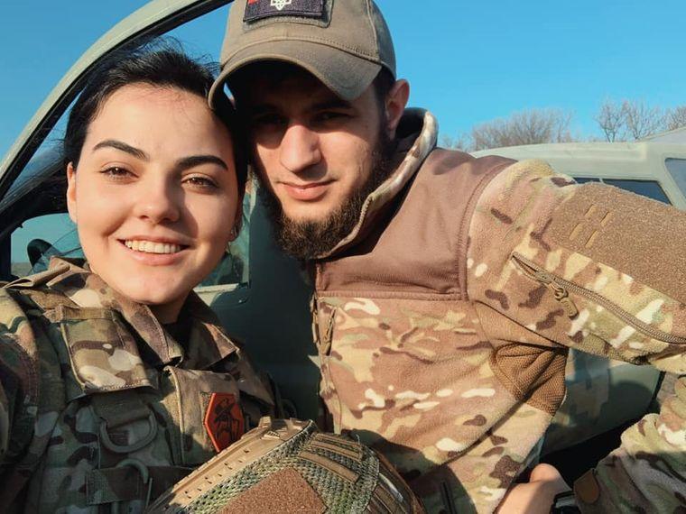 На передовій Аліна познайомилася зі своїм хлопцем — Дмитром Коцюбайлом, теперішнім командиром ДУК ПС в Авдіївці