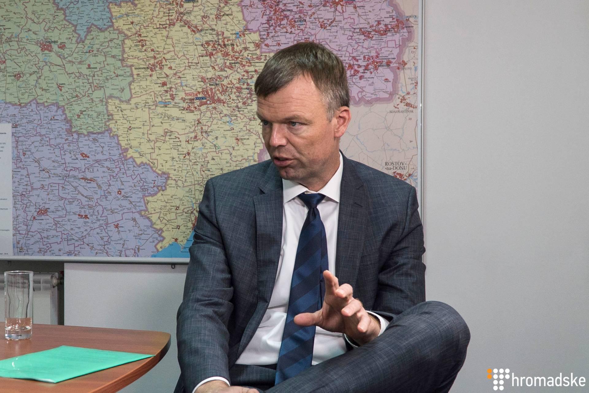 Заступник голови спеціальної моніторингової місії ОБСЄ на Донбасі Александр Хуг під час інтерв'ю Громадському, Київ, 30 жовтня 2018 року