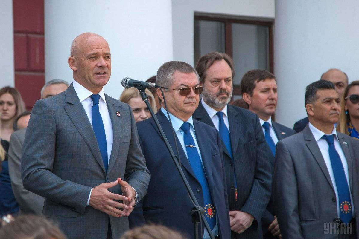 Мер Одеси Геннадій Труханов (ліворуч) під час заходів з нагоди святкування Дня Європи в Одесі, 19 травня 2018 року