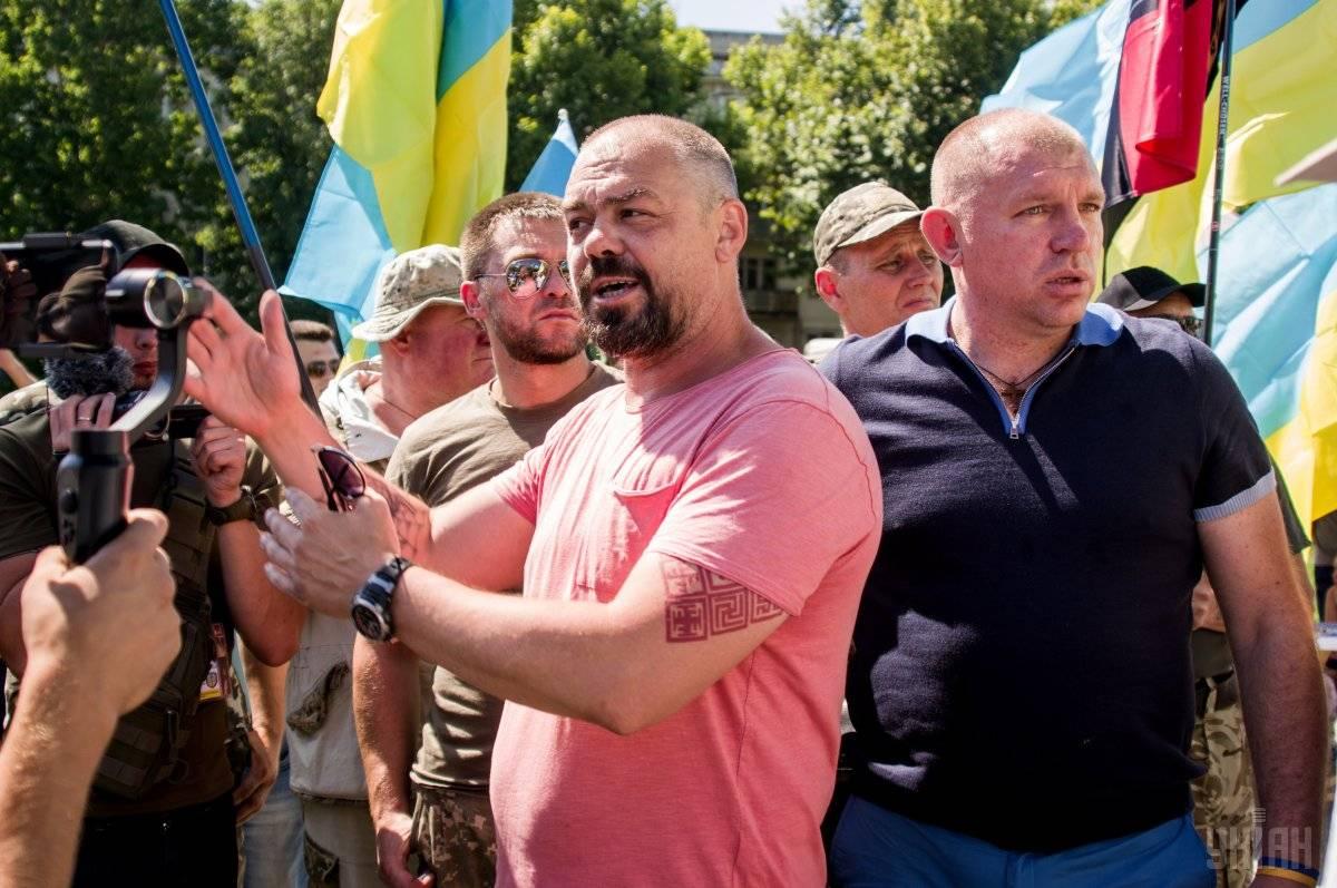 Віталій Олешко (Сармат) під час акції протесту у Херсоні, 6 липня 2018 року