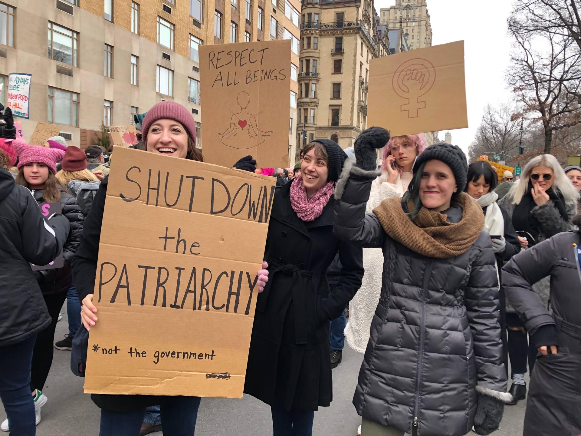 Shutdown Patriarchy — «Закриймо патріархію» — згадка про «закриття уряду» через конфлікт президента США з Конгресом щодо вимоги Трампа виділити кошти на будівництво стіни з Мексикою