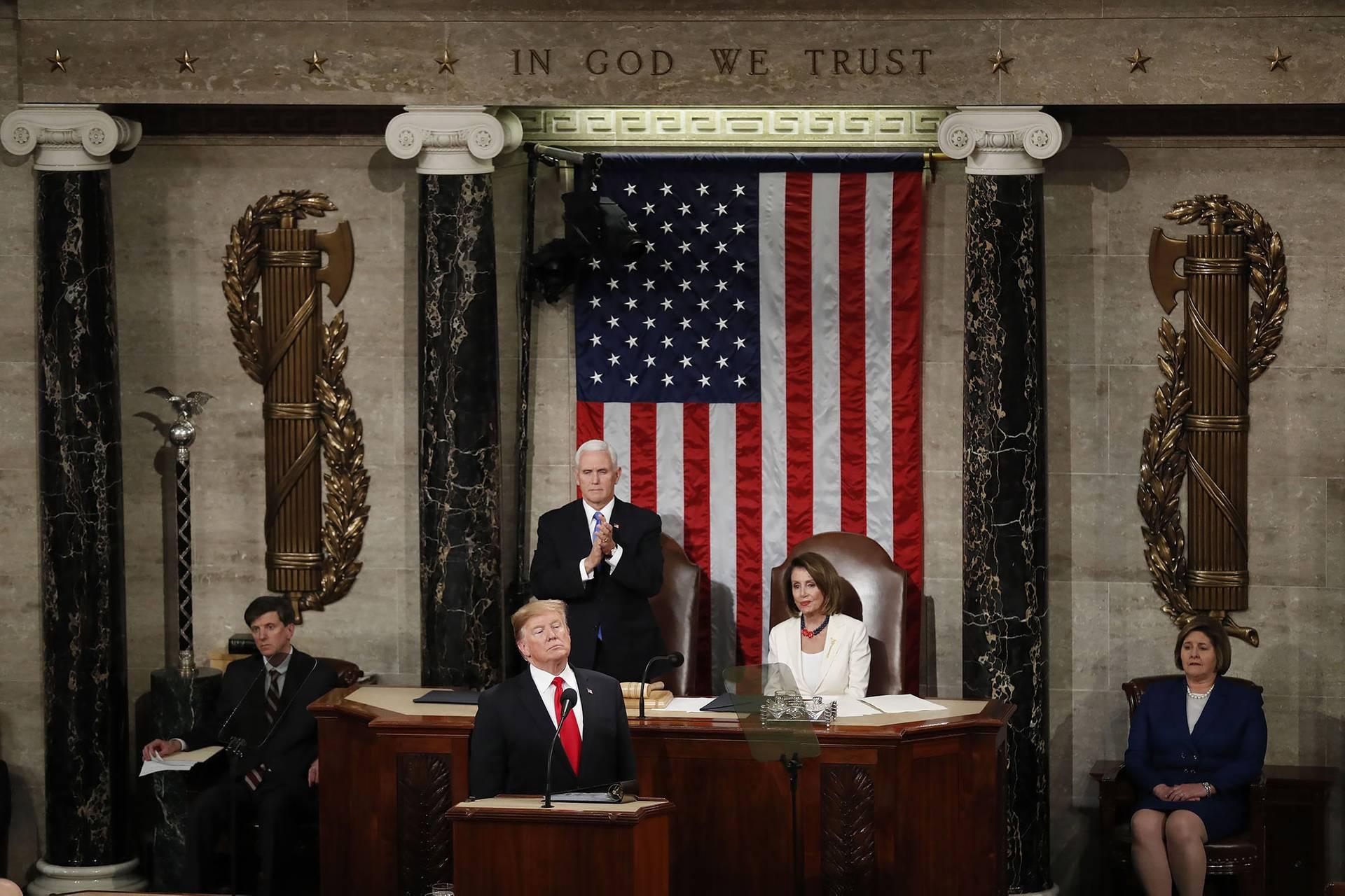 Президент США Дональд Трамп (в центрі за трибуною) виступив із щорічним зверненням до Конгресу, Вашингтон, США , 5 лютого 2019 року