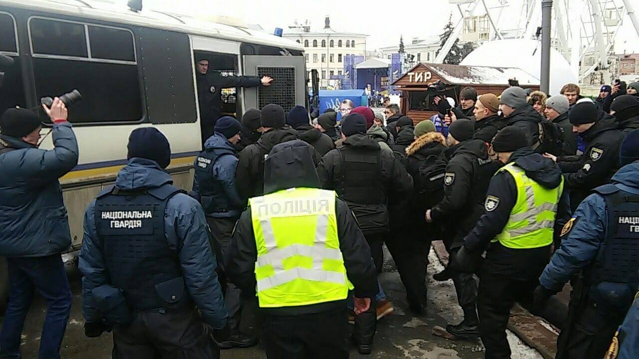 Поліція 9 лютого затримує активістів руху «Хто замовив Катю Гандзюк?»