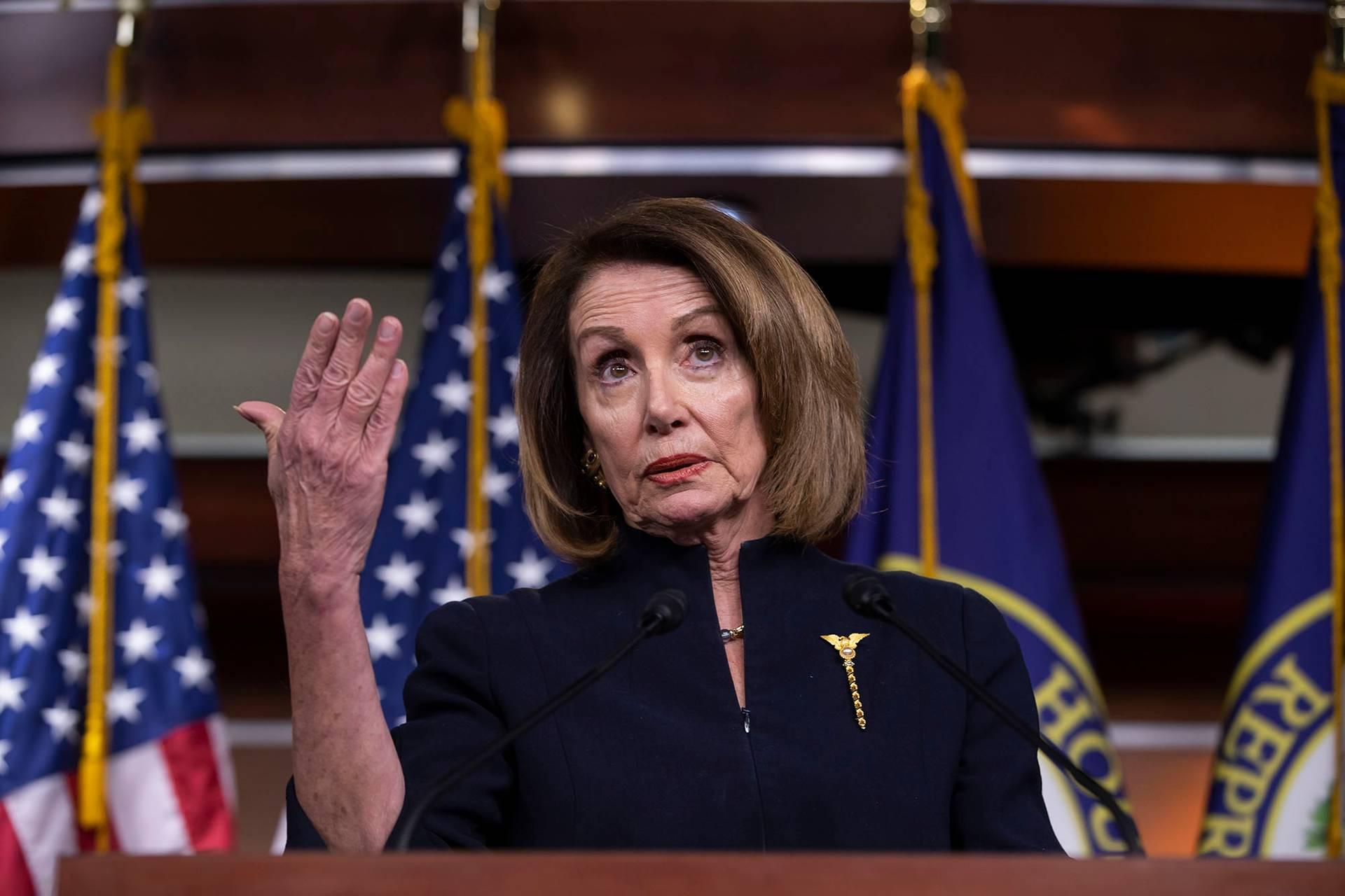 Спікерка Палати представників Ненсі Пелосі пригрозила оскаржити введення надзвичайного стану у суді, Вашингтон, США, 14 лютого 2018 року