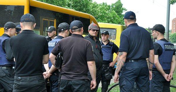 На Полтавщині під час акції «Безсмертний полк» поліція вилучила радянську  шапку-«будьонівку 3150b97881f98