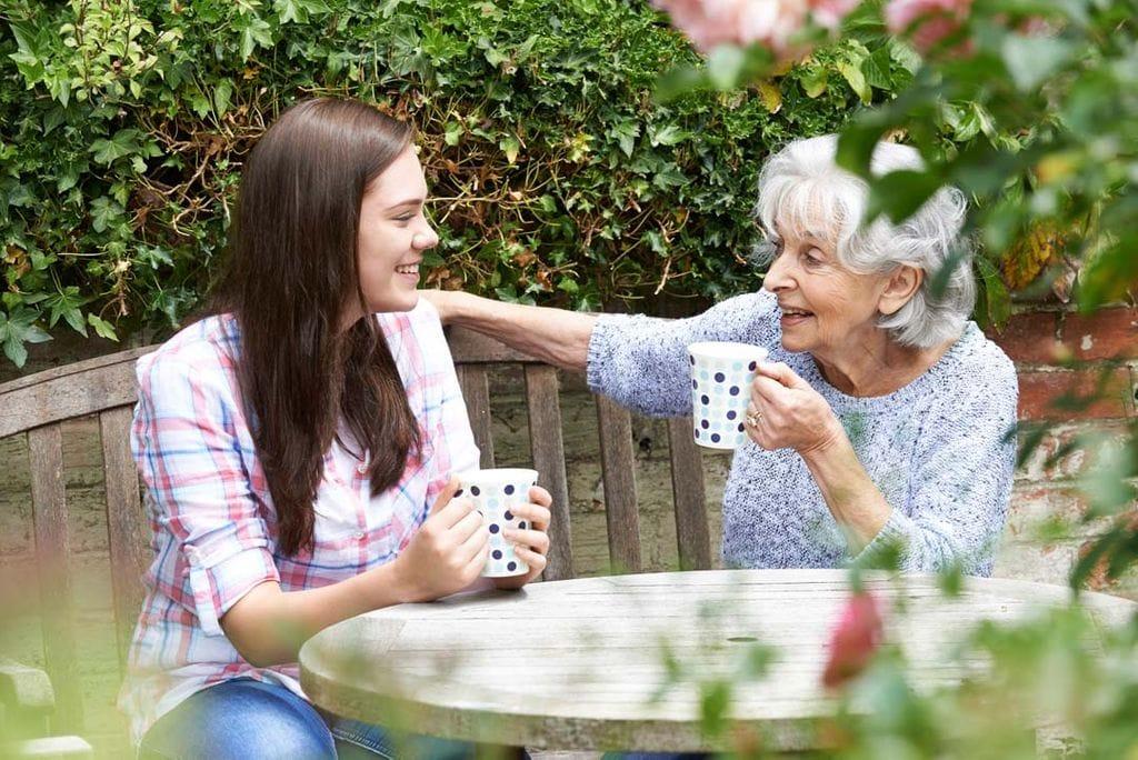 Besuchspartnerschaften mit älteren Menschen