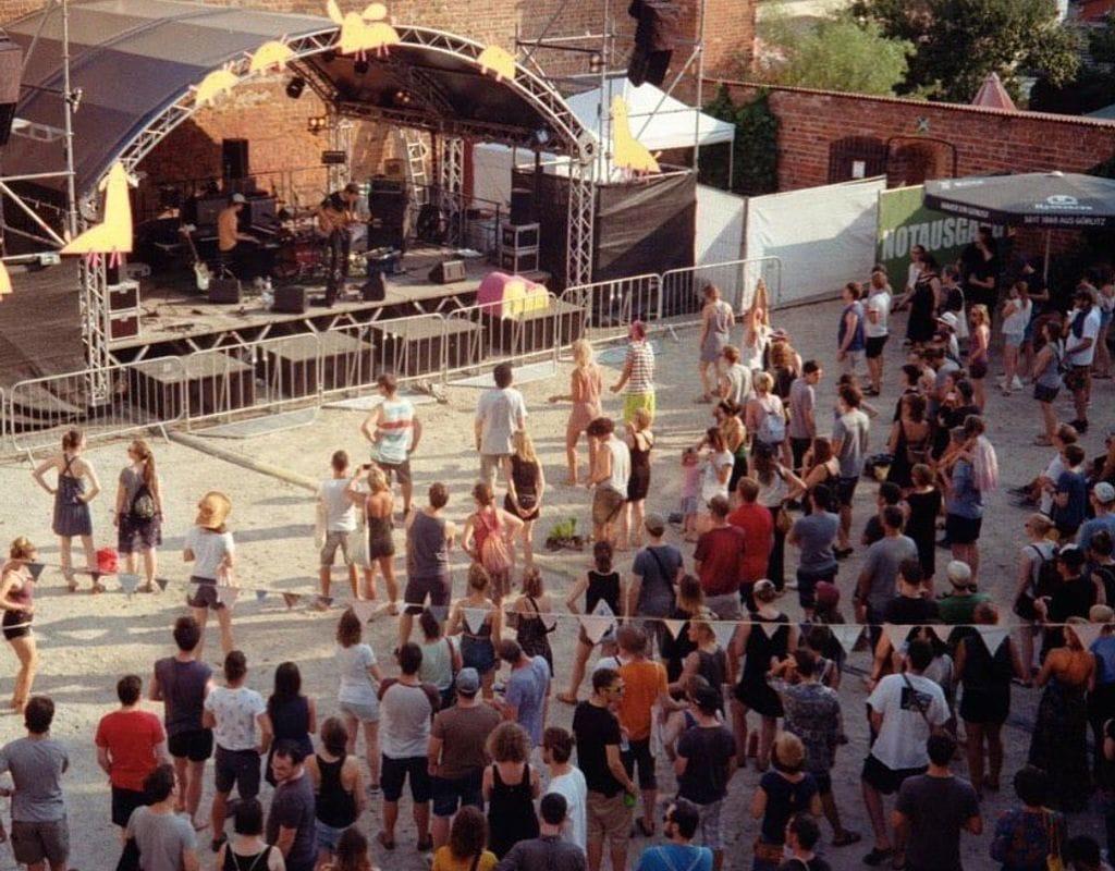 06-07.08. Helfer*innen Musikfestival Jenseits von Millionen