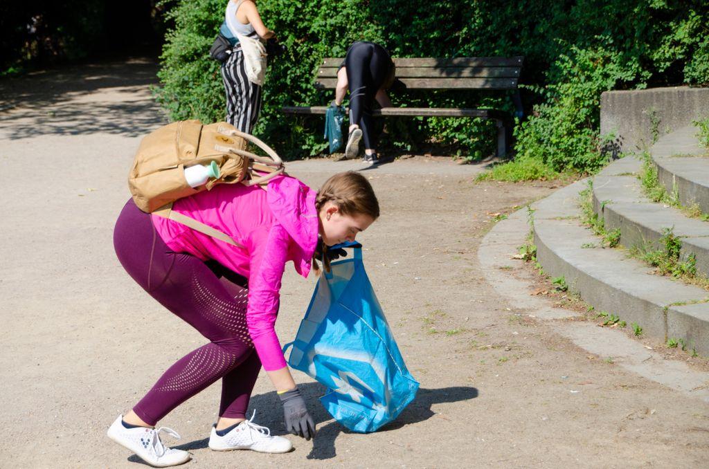 Clean up im Schanzenpark mit Jil