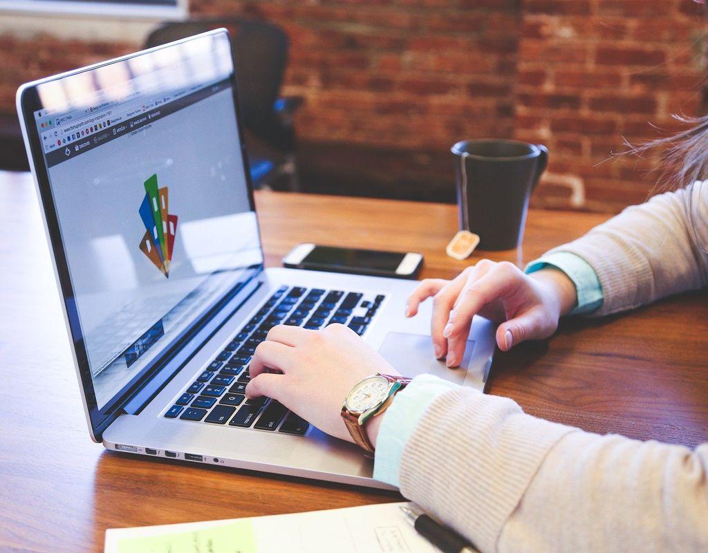 Designhilfe für neue Lernplattform