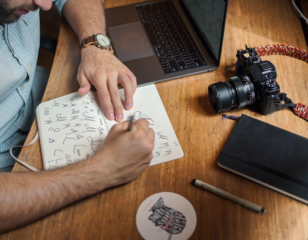 Social Media Graphic Designer/Video Editor