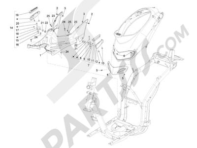 Piaggio Liberty 125 4T 3V ie E3 2013 - 2014 Cubierta central - Estribos