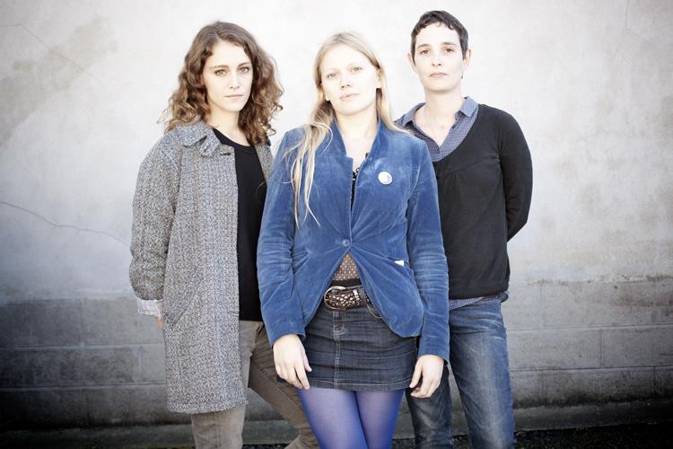 ariane, lucie & mathilde flow