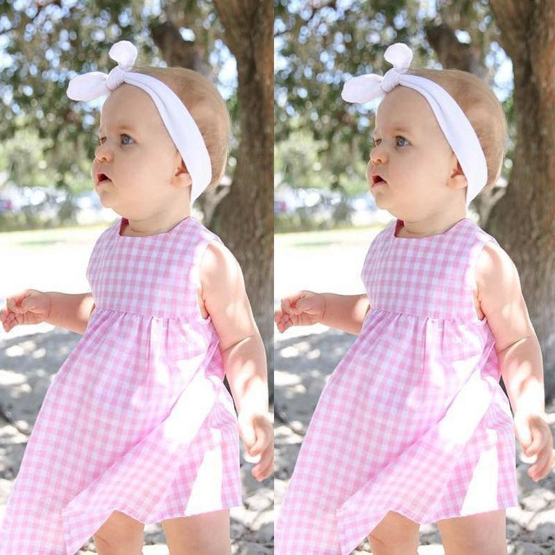 Новорожденных девочек розовые платья повседневные платья без рукавов младенческой летние топы 0-24 М вязаные платья для новорожденных девочек