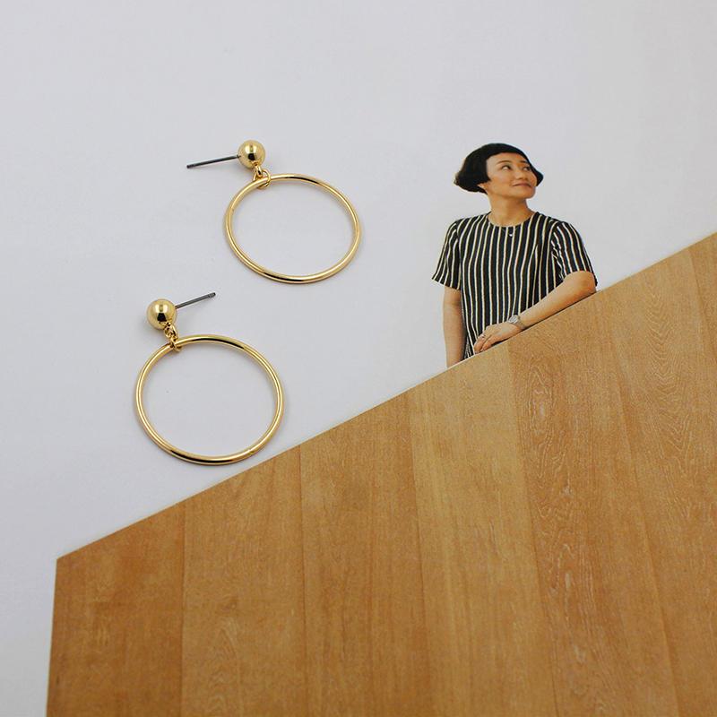 Большой золотой бусины геометрии кольцо женщин ювелирные изделия Серьги