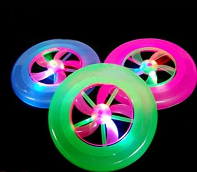 Игрушки игрушки пляжа НЛО Фрисби дети для детей развития Educationalght флэш-НЛО Светодиодных игрушки для детей