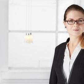 Profilbild von Anwältin Claudia Hazeraj
