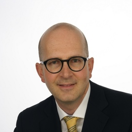 Profilbild von Anwalt Oliver Knakowski-Rüegg