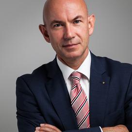 Profilbild von Anwalt Bernhard Lötscher