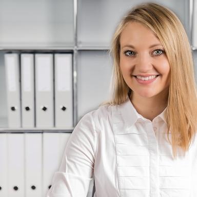 Profilbild von Anwältin Andrea Voëlin