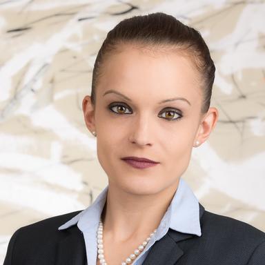 Profilbild von Anwältin Nicole Aimée Bauer