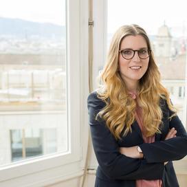 Profilbild von Anwältin Nadja Hirzel