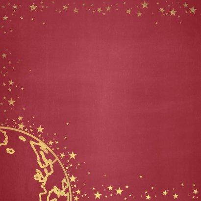 Kerst stijlvolle rode kaart met goudkleurige wereldbol 2