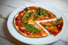Пицца для детей в детском клубе Канарейка