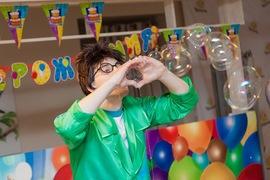 Мыльные пузыри в детском клубе Канарейка!