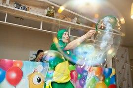 Большие мыльные пузыри от Кузнечика Кузи для деток садика Канарейка