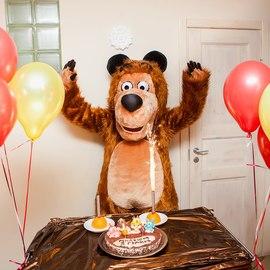 Ух ты, какой торт! Медведь в восторге! От всего сердца - с днем рождения!