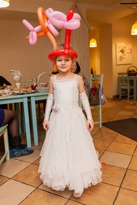 Чудо корона из шариков! Истинная принцесса! Развлечения в детском клубе Канарейка
