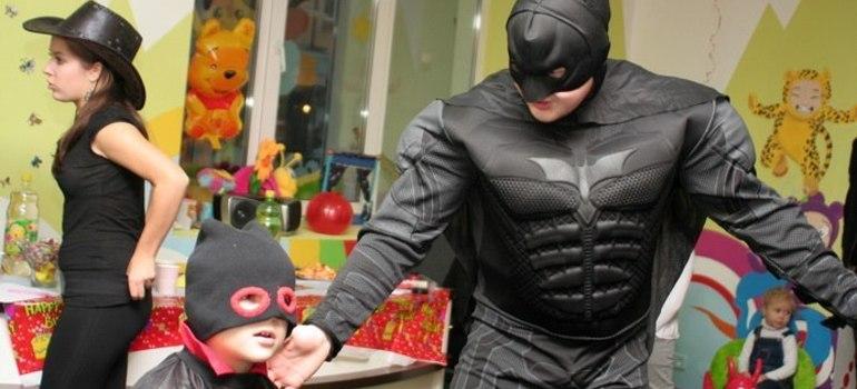 Бэтмен и дети