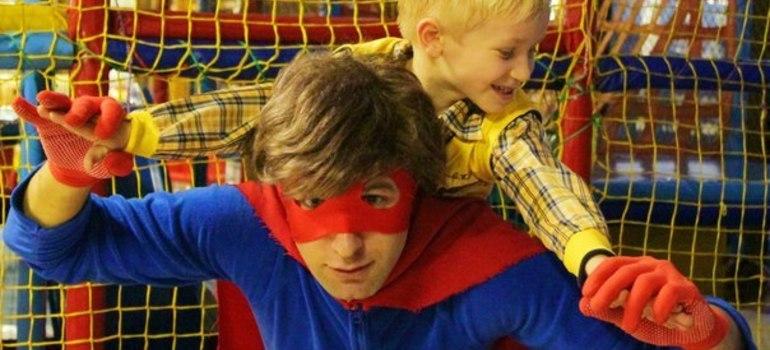 Супер герой Супермен