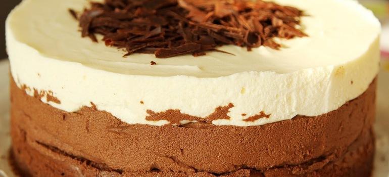 Многослойный шоколадный тортик